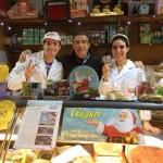 Consegna premio al punto vendita Market Alimentari Tesoriere da parte dell'agente Veroni Pino Barretta