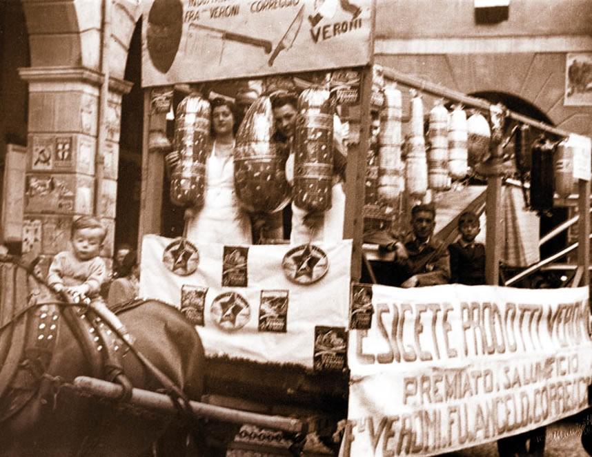 Il salumificio Veroni nel centro di Correggio nel primo dopoguerra.