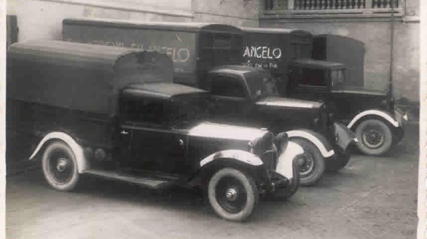 Gli automezzi Veroni alla fine degli anni '20: a quell'epoca l'azienda era una delle poche realtà italiane con un parco mezzo così ampio.