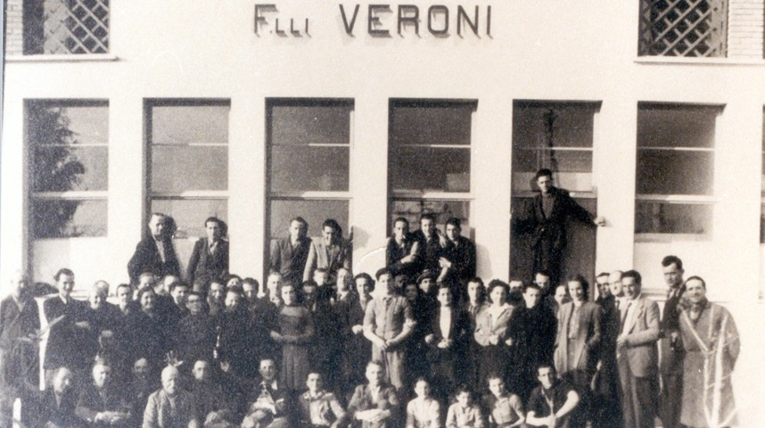 Negli anni '40 l'azienda è stata una delle prime a offrire una mensa per i propri dipendenti, e non solo: venivano ospitati anche i figli delle mondine, impegnate a lavorare nelle risaie.