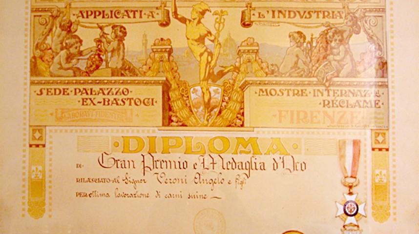 Gran Premio Medaglia d'Oro ottenuto nel 1927 per l'ottima produzione di salumi.