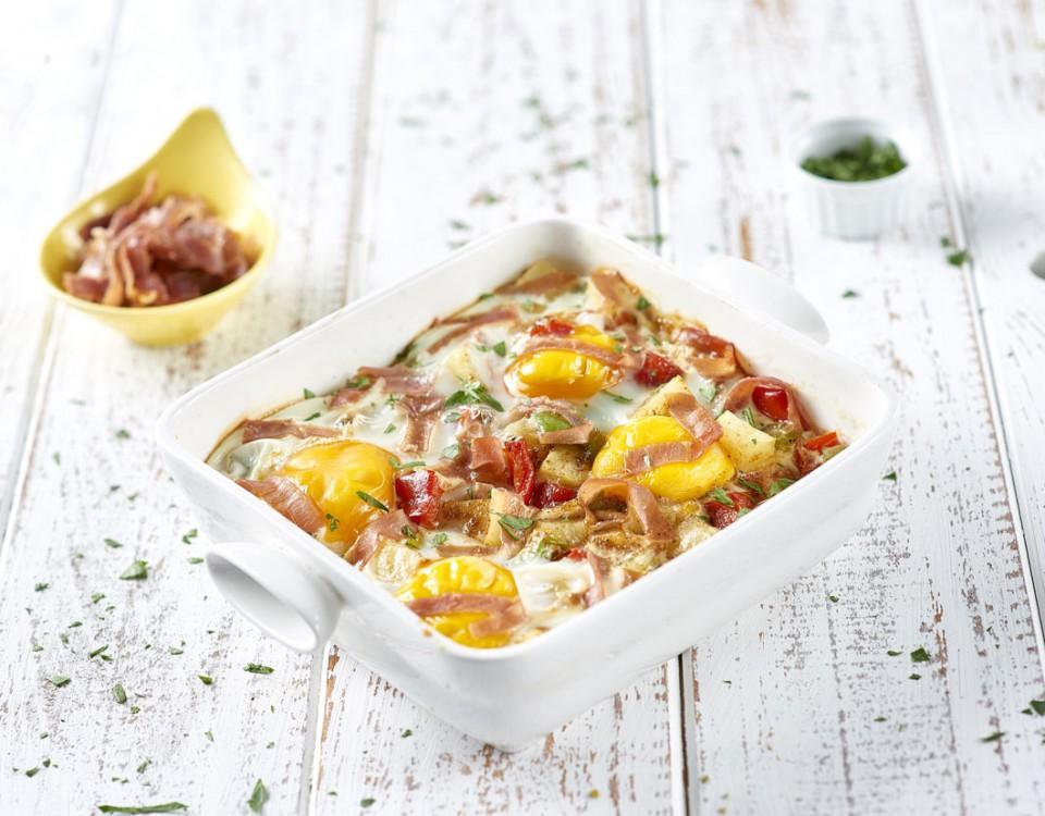 Padellata-di-patate-con-uovo-peperoni-prezzemolo-prosciutto-crudo-e-paprica31512resize