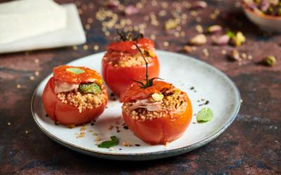 Pomodori ripieni di cous cous con mortadella e primosale